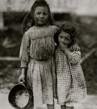 maud-and-grade-daly-1911-lewis-hinesnational-child-labor-com-library-of-congress-public-domaicommons-wikimedia-org
